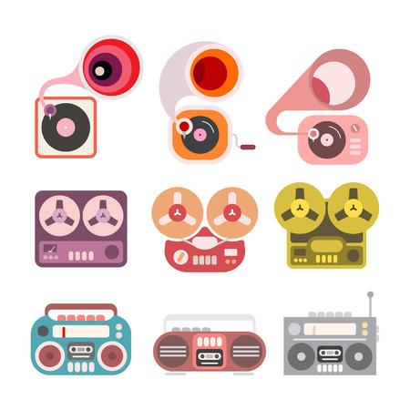 Gramophone et lecteur de bande icônes plats isolés sur un fond blanc. Boom box, magnétophone et le gramophone. Vecteurs