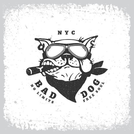 Rótulo vintage com bulldog em óculos no fundo grunge para impressão de t-shirt, cartaz, emblema. Ilustração vetorial