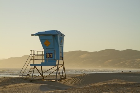A view of a lifeguard stand in Pismo Beach, California. Stock Photo - 20139870