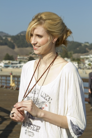 Pretty Blonde wear a white shirt