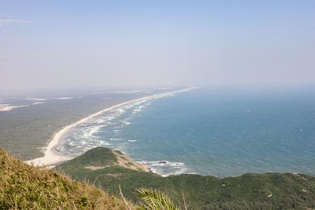 달 베이보기가있는 Tonggu Mountain 스톡 콘텐츠