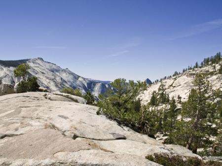 arri�re-pays: Randonn�e au cours de l'heure d'�t� � Yosemite Banque d'images