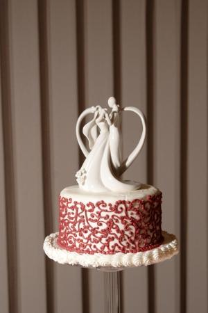 figurines: wedding cake with dancing figurines