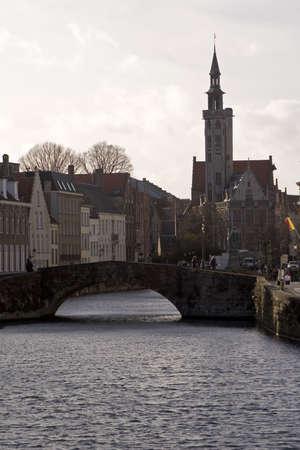receptivo: Canal de brujas y puente Foto de archivo