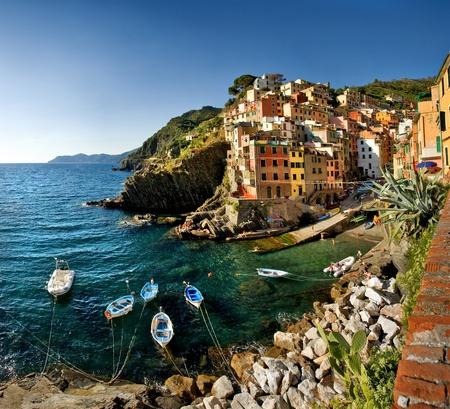 Cinque Terre, Italië - Riomaggiore kleurrijke vissersdorp.  Stockfoto
