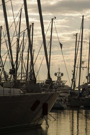 extra large: Row of extra large yacht in aport