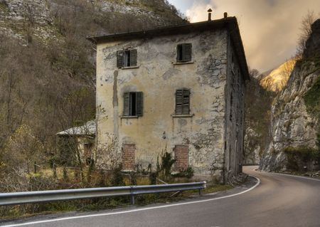 Rustic house abandoned in the apuan alps, tuscany