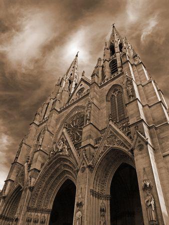 devanture: image de la fa�ade de la basilique Sainte-Clotilde � Paris