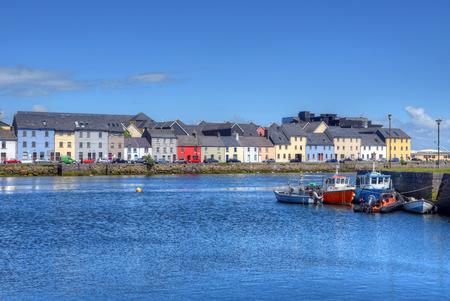 골웨이, 아일랜드에서 Claddagh 골웨이입니다. 스톡 콘텐츠
