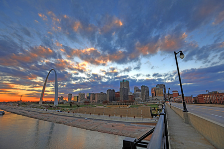 St. Louis, Missouri and the Gateway Arch from Eads Bridge. Stock fotó