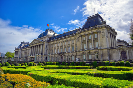 The Royal Palace of Brussels is the official palace of the King and Queen of the Belgians in the center of the nation's capital of Brussels, Belgium. Banque d'images - 128466654