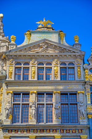 Buildings and architecture in the Grand Place, or Grote Markt, the central square of Brussels, Belgium. Banque d'images - 128466771