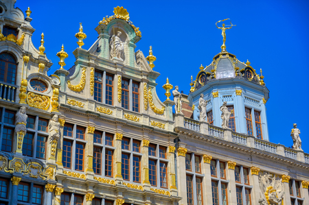 Buildings and architecture in the Grand Place, or Grote Markt, the central square of Brussels, Belgium. Banque d'images - 128466773