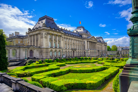 The Royal Palace of Brussels is the official palace of the King and Queen of the Belgians in the center of the nation's capital of Brussels, Belgium. Banque d'images - 128466790