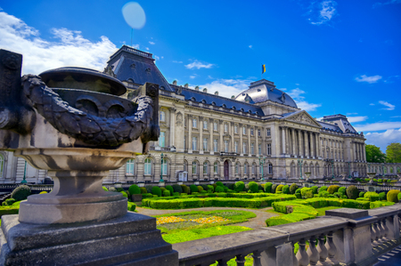 The Royal Palace of Brussels is the official palace of the King and Queen of the Belgians in the center of the nation's capital of Brussels, Belgium. Banque d'images - 128466791