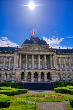 The Royal Palace of Brussels is the official palace of the King and Queen of the Belgians in the center of the nation's capital of Brussels, Belgium. Banque d'images - 128466797