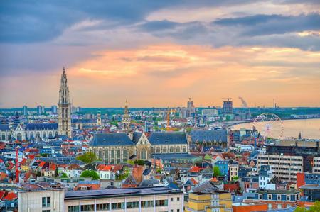 An aerial view of Antwerp, Belgium at sunset. 新聞圖片
