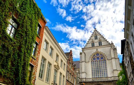 The Cathedral of our Lady in the streets of Antwerp, Belgium. Banque d'images - 128466877