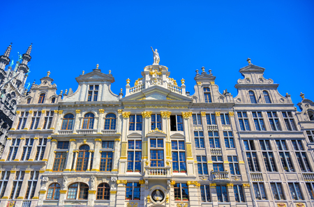Buildings and architecture in the Grand Place, or Grote Markt, the central square of Brussels, Belgium. Banque d'images - 128466932