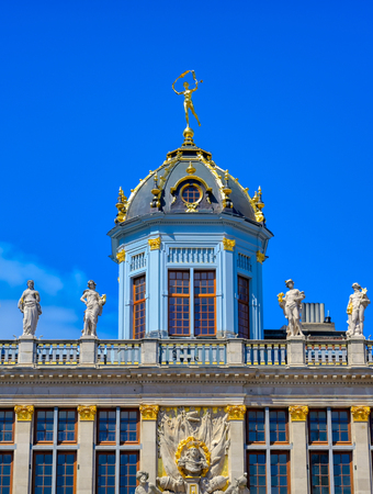 Buildings and architecture in the Grand Place, or Grote Markt, the central square of Brussels, Belgium. Banque d'images - 128466939