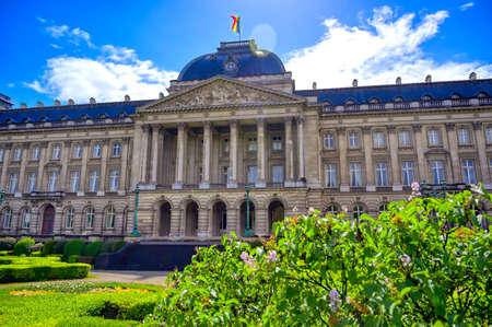 The Royal Palace of Brussels is the official palace of the King and Queen of the Belgians in the center of the nation's capital of Brussels, Belgium. Banque d'images - 128466974
