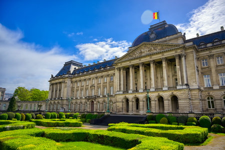 The Royal Palace of Brussels is the official palace of the King and Queen of the Belgians in the center of the nation's capital of Brussels, Belgium. Banque d'images - 128466988