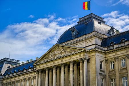 The Royal Palace of Brussels is the official palace of the King and Queen of the Belgians in the center of the nation's capital of Brussels, Belgium. Banque d'images - 128466991