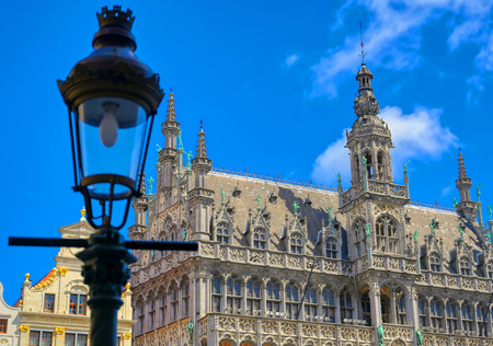 Buildings and architecture in the Grand Place, or Grote Markt, the central square of Brussels, Belgium. Banque d'images - 128537062