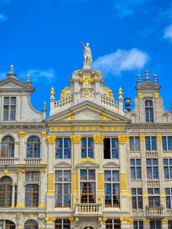 Buildings and architecture in the Grand Place, or Grote Markt, the central square of Brussels, Belgium. Banque d'images - 128537068