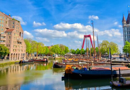 The canals and waterways in the city of Rotterdam, the Netherlands. Archivio Fotografico - 129488946