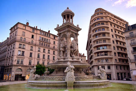 The fountain on Place des Jacobins in the heart of Lyon, France. 版權商用圖片