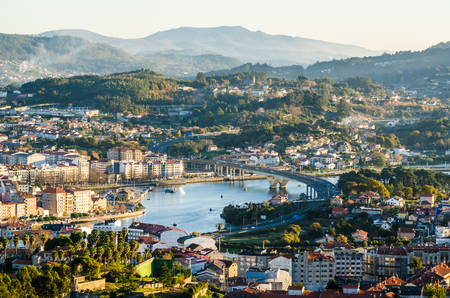 South side of the historical city of Pontevedra from an elevated viewpoint. Highway bridge icwe Lerez river Banco de Imagens - 91197644