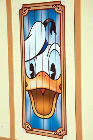 donald: Anaheim, California, USA, November 21, 2010 � Donald Duck at Disney California Adventure wall Editorial