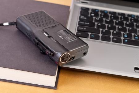 grabadora: Grabaci�n de notas de audio en la escuela  Foto de archivo