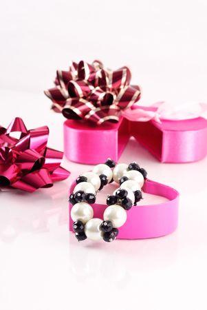Pearl and Black Onyx Gemstone Bracelet Stock Photo - 8208097