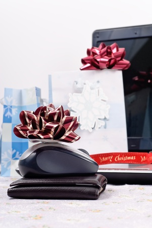 holidays: Shopping Online for the Holidays