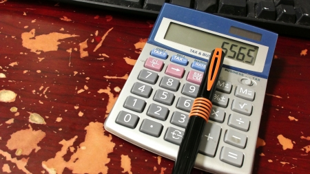 Calculating Profits photo