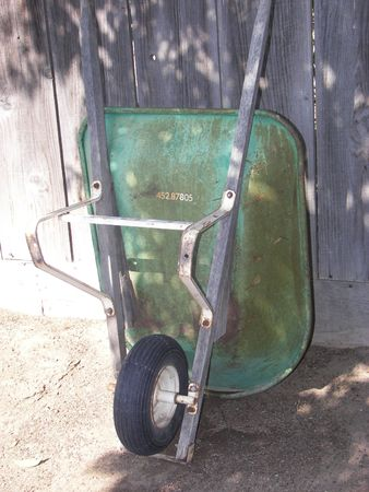 wheelbarrow Standard-Bild