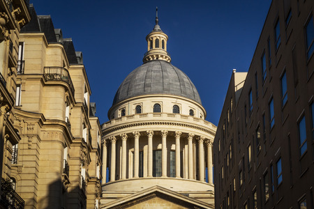 faade: Dome of the Pantheon, between history and modernity