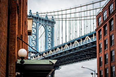 Fotografía de bellas artes del puente de Manhattan en Dumbo Brooklyn NYC - Paisaje urbano