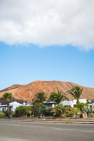 Desert atmosphere in the streets of Lanzarote at the foot of volcanoes - Travel landscape Imagens - 128571618