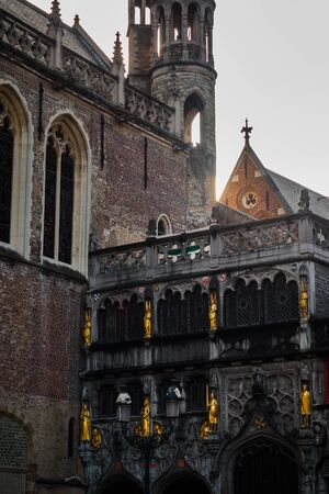 Basilica of the Holy Blood in Bruges in Belgium 에디토리얼