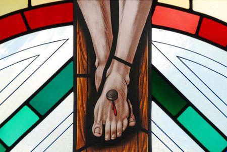 イエス ・ キリストのはりつけのステンド グラスの窓