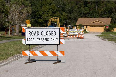 Signalisation routière fermé en raison de la construction à venir Banque d'images - 6088485