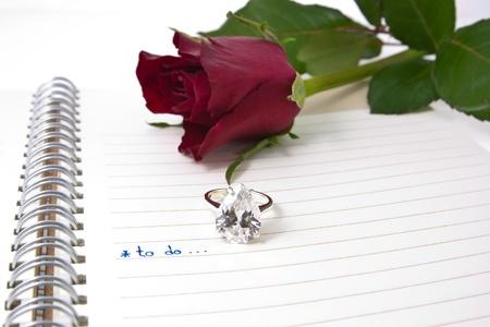 ouvrir portable avec une formulation � faire et bague en diamant ... love concept