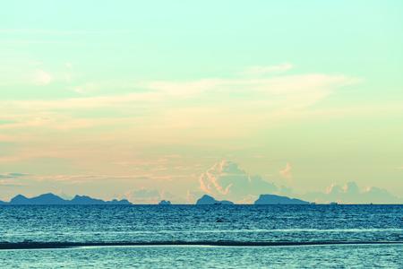 Seascape bright blue sea skay white clouds background Zdjęcie Seryjne