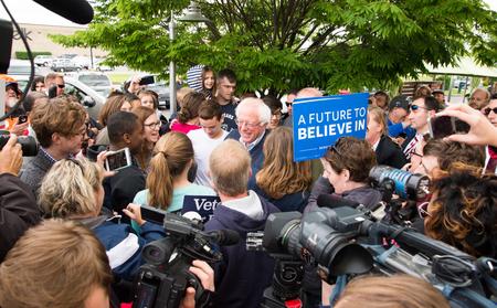 addresses: Elizabethtown, Kentucky - May 14, 2016: Senator Bernie Sanders addresses a crowd at a rally at Panera Bread in Elizabethtown, Kentucky. Editorial