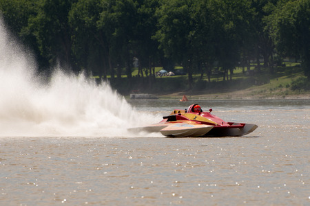 madison: Madison, Indiana  - July 2, 2016:  Fred Shearer drives the GNH 17 7Th Edition hydroplane at the Madison Regatta in Madison, Indiana, July 2, 2016.