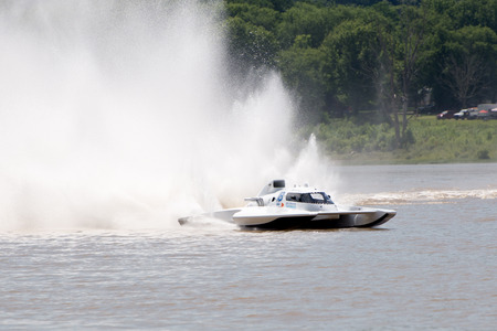 Madison, Indiana  - July 2, 2016:  Scott Liddycoat drives the Magnum Racing GNH 18in the Grand National Hydroplane Qualification Heat #1 at the Madison Regatta in Madison, Indiana, July 2, 2016. Editorial