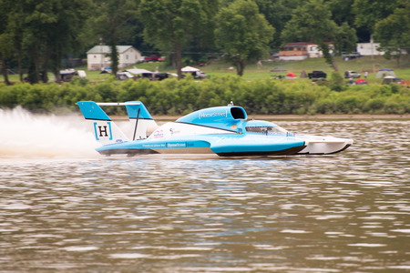 unlimited: Madison, Indiana  - July 2, 2016:  Jimmy Shane drives the Madison Racing U-1 in the Clifty Engineering & Tool Company Unlimited Heat 1A at the Madison Regatta in Madison, Indiana, July 2, 2016.